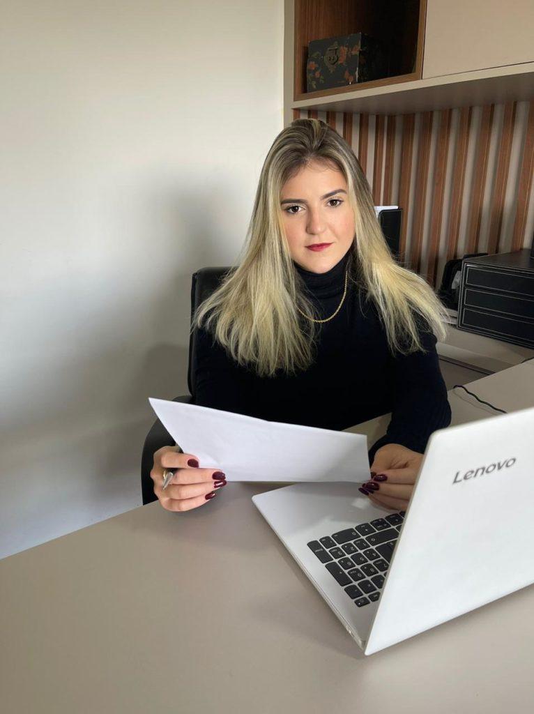 Carolina Vissechi Advogada